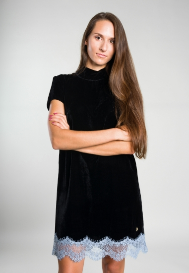 Welurowa sukienka z golfem Trussardi Jeans