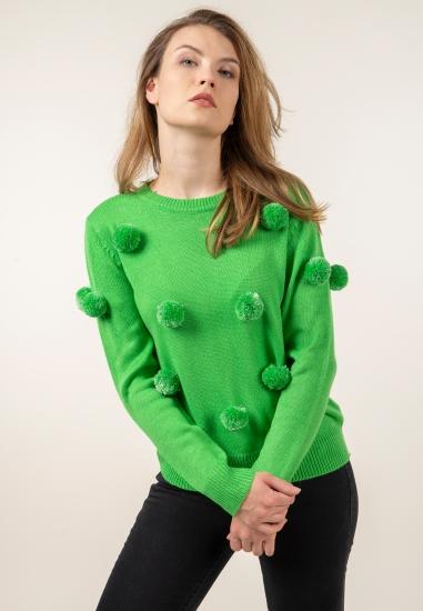 Sweter z pomponami...