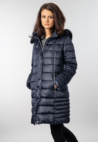 Pikowana kurtka o dłuższym...
